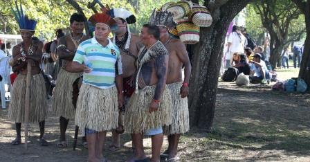 Indios-participam-da-cupula-dos-povos