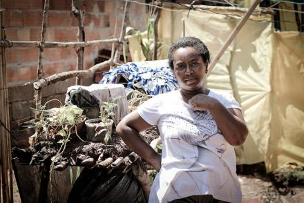 Moradora da comunidade Zilah Spósito em Belo Horizonte
