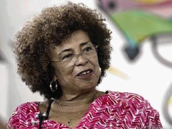 Angela Davis. (Foto: Raul Spinassé / A Tarde)